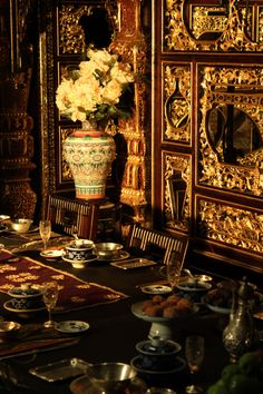 The Grandmasters Chinese Interior, Asian Interior, Living In China, Brown Cat, Hero Movie, Culture Shock, Indochine, The Grandmaster, History Photos