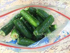 Ogórki małosolne na sucho robione, genialny przepis na blogu Kuchnianawzgorzu.pl. Wypróbuj a zakochasz się w nich. Pyszne, zdrowe, dietetyczne.