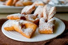 The Best Traditional Chilean Recipes - Pilar's Chilean Food & Garden Baking Recipes, Dessert Recipes, Desserts, Chilean Recipes, Chilean Food, Meringue Cake, English Food, Latin Food, Recipe Images