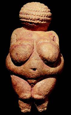 Unbekannt - The Venus of Willendorf, Fertility Symbol, Pre-Historic sculpture, BC Fertility Statue, Fertility Symbols, Statues, Paleolithic Art, Galerie Creation, Cultural Artifact, Art Premier, Mother Goddess, Art Sculpture