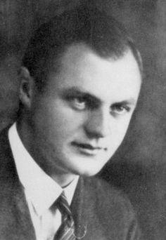 Dr. Eduard Wirths. SS-Standortarzt. Campo de Concentração de Auschwitz.