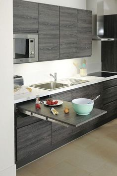 Ambrosial Kitchen design cabinet layout,Small kitchen cabinets walmart and Kitchen remodel design tool tips. Small Modern Kitchens, Cool Kitchens, Kitchen Modern, Ideas For Small Kitchens, Classic Kitchen, Colonial Kitchen, Functional Kitchen, Modern Spaces, Small Kitchen Interiors