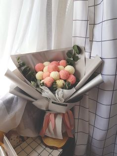 Korean PomPom Bouquet Hand Bouquet, Chocolate Covered Strawberries, Fresh Flowers, Flower Vases, Random Things, Floral Design, Bucket, Aesthetics, Diy Projects