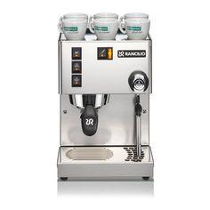 Die Rancilio Silvia Eco ist ein hochwertiges Einsteigermodell für alle, die sich ernsthaft mit Espresso auseinandersetzen wollen. Solide, hochwertige Bauart mit Gehäus aus beständigem Edelstahl Bietet in ihrem Segment...