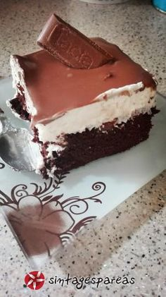 Greek Sweets, Greek Desserts, Homemade Sweets, Homemade Cakes, Sweets Recipes, Real Food Recipes, Chocolate Sweets, Icebox Cake, Happy Foods