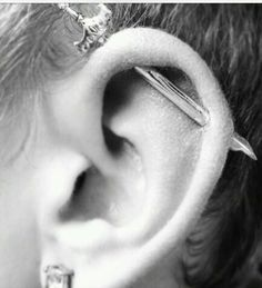 Piercing Industrial Jewelry I Want 57 Ideas Piercing Tattoo, Piercing Cartilage, Body Piercings, Unique Piercings, Bar Ear Piercing, Mens Piercings, Industrial Earrings, Industrial Piercing Jewelry, Industrial Barbell