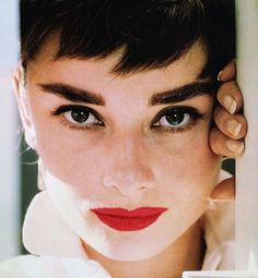 Red lips done the right way! Find more classic beauties rocking the classic trend here!