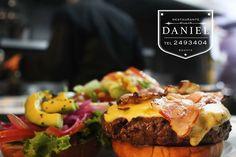 Una buena hamburguesa en Daniel para disfrutar este miercoles!| Nuestro menu completo: http://daniel.com.co/menus