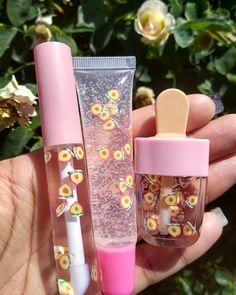 Flavored Lip Gloss, Lip Gloss Homemade, Glitter Lip Gloss, Diy Lip Gloss, Kawaii Makeup, Cute Makeup, Aesthetic Makeup, Lip Care, Cute Nails