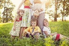 Parents' legs/boys featured Top 10 Family Picture Poses Ideas - I LOVE this one.from the colors, the light, the pose.this would so fit us! Except I think Mom Dad in the shot kissing would be the icing on the cake! Family Picture Poses, Family Photo Sessions, Family Posing, Family Portraits, Family Photos, Cute Family, Fall Family, Family Holiday, Christmas Holiday