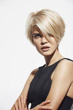 Nowoczesne strzyżenie z grzywką na bok - Krótkie fryzury, które wyszczuplą twarz