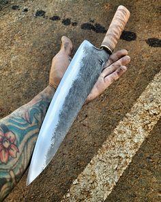 Lucas Black, Knives And Swords, Knifes, Bushcraft, Kitchen Knives, Bowie, Weapons, Lost, Knife Making