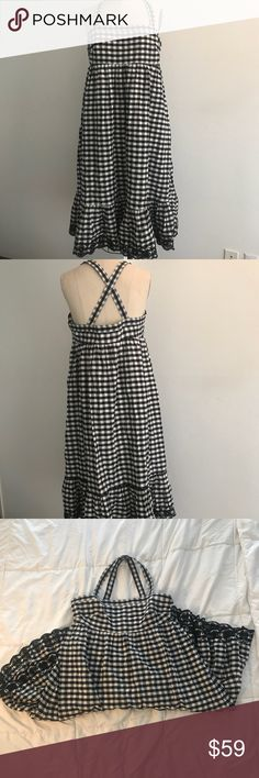 J Crew gingham dress. Size 12 VERY cute and easy to wear J.Crew gingham dress in excellent condition. Has a side zipper and scalloped trim at the hem. Gently worn in great condition. Throw on some tights and a cardigan for the cooler weather . Size 12 J. Crew Dresses