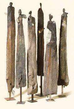 http://www.abpi.ch/evenements/20080918_yolande%20biver/sculptures_yb.jpg   Esculturas