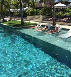 hotel landscape Your pool is all about relaxation. Nonetheless, the pool is really cool by itself and it sure is inviting. Swimming pool and landscape design computer. Luxury Swimming Pools, Luxury Pools, My Pool, Swimming Pools Backyard, Dream Pools, Swimming Pool Designs, Pool Bar, Pool Cabana, Pool Lounge