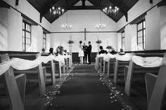 Intimate wedding - Photo by Michael Hammond