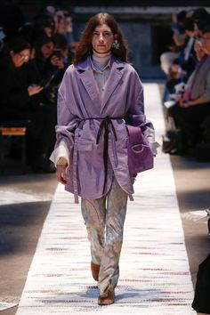 Acne Studios Fall 2018 Ready-to-Wear Fashion Show Collection