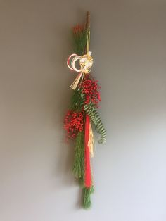 Seasonal Decor, Holiday Decor, Green Wreath, Red Party, Half Dolls, New Years Decorations, Plant Design, Hacks Diy, Ikebana