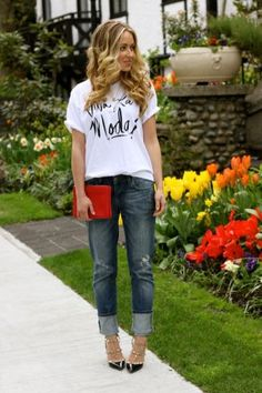 Dress up a slouchy t and boyfriend jeans with bold accessories and great heels! #weekendwear #CasualCotton