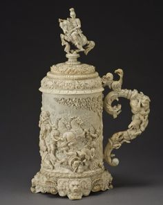 159: Large German ivory tankard and cover depicting the : Lot 159