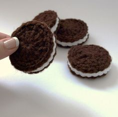 Oreo Cookie Amigurumi by Yolanda M | Crocheting Pattern. Not free but easy enough to figure out no? Fun play food