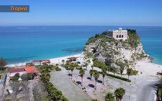 Una vacanza sulle spiagge più belle del mondo. #tropea #vacanzeinitalia Water, Outdoor, The Great Outdoors, Aqua, Outdoors