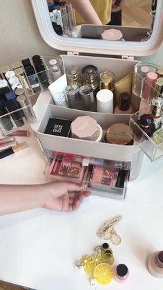 Bathroom Makeup Storage, Makeup Storage Box, Makeup Drawer Organization, Make Up Storage, Cosmetic Storage, Beauty Storage Ideas, Make Up Organization Ideas, Makeup Storage Furniture, Makeup Box