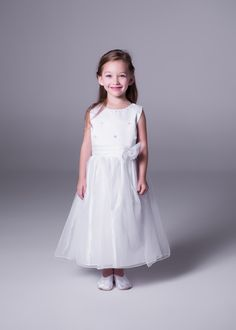 Flower girls need to feel like princesses too. Bride&co offers a collection of Petite Princess flower girl dresses. Princess Flower Girl Dresses, Flower Girls, Flowergirl Dress, Page Boy, Special Occasion Dresses, Wedding Gowns, Bridesmaid Dresses, Princesses, Outfits