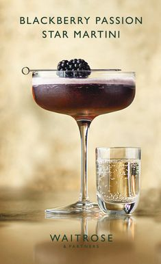 Blackberry passion star martini – Cocktails and Pretty Drinks Christmas Cocktails, Party Drinks, Cocktail Drinks, Fun Drinks, Yummy Drinks, Cocktail Recipes, Alcoholic Drinks, Beverages, Wine