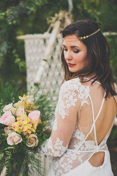 Shooting mariage -Thème bohème folk à la Ferme Kerr | Photographe : Camille Marciano | Donne-moi ta main - Blog mariage