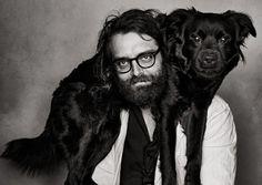 Er shootet für die Vogue und das GQ Magazine, Armani und Boss und setzt schöne und interessante Menschen in Szene. Christian Anwander ist Modefotograf und ein bunter Hund – er lebt in New York.
