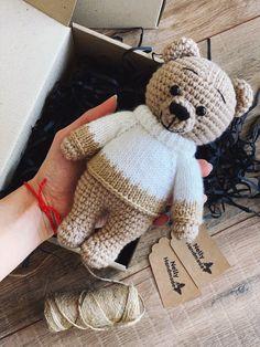 Crochet Baby Shawl, Crochet Teddy Bear Pattern, Crochet Animal Patterns, Stuffed Animal Patterns, Love Crochet, Crochet Animals, Baby Knitting, Amigurumi Doll Pattern, Crochet Dolls