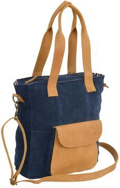 """Wozu nur eine Farbe, wenn man auch zwei haben kann? Das sagten wir uns auch bei """"Tabitha"""". Dieser tolle zweifarbige Shopper überzeugt mit einem tollen Design und einer praktischen Handhabung. Aus robustem Büffelleder ist die Tasche besonders stabil und somit ein perfekter Begleiter für den Alltag - Ledershopper - Handtasche - Umhängetasche - Gusti Leder - 2M42-26-14"""