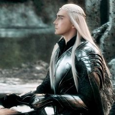 Lee Pace as Thranduil in The Hobbit Trilogy (gif) The Hobbit Thranduil, Lee Pace Thranduil, Elf King, Into The West, Tauriel, Jrr Tolkien, Fantasy, The Elf, Middle Earth