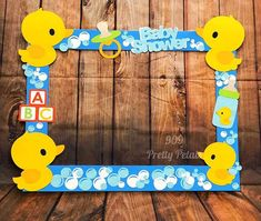Fiesta de bienvenida al bebé Pato de goma Tema Photo Booth Frame . Ducky Baby Showers, Baby Shower Duck, Rubber Ducky Baby Shower, Baby Shower Vintage, Juegos Baby Shower Niño, Dibujos Baby Shower, Baby Shower Photo Frame, Baby Shower Photos, Baby Shower Decorations For Boys