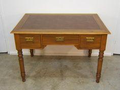 Escritorio antiguo de madera de cerezo, restaurada, 950 € + ??