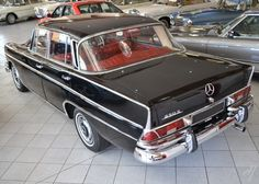 autumn mercedes meeting heckflossen 1961 mercedes benz 220 se rh pinterest com 1966 Mercedes 230SL 1960 Mercedes 220s