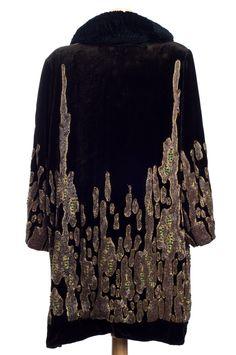black-velvet-vintage-clothing.jpg (700×1054)