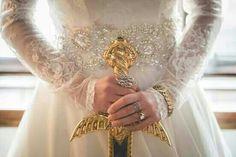 Queen Constance, sword of gold Queen Aesthetic, Gold Aesthetic, Princess Aesthetic, Character Aesthetic, Angel Aesthetic, Story Inspiration, Character Inspiration, Hawke Dragon Age, Princess Of Power