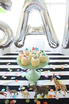 Crazy Wonderful: samuel's 3rd birthday party, boy's birthday party, party animals, confetti, large balloon letters