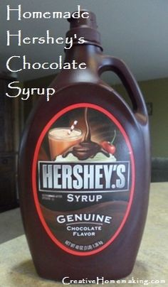 This recipe for homemade Hershey's chocolate syrup not only tastes great and is inexpensive to make, it contains no high fructose corn syrup, artificial colors, or flavors. Chocolate Syrup Recipes, Chocolate Flavors, Homemade Chocolate Syrup, Hersheys Chocolate Syrup Recipe, Macarons Chocolate, Chocolate Pavlova, Chocolate Crinkles, Chocolate Cheesecake, Homemade Syrup