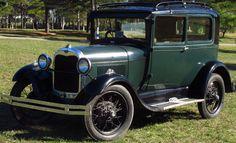 Ford A 1929.  http://www.arcar.org/autosantiguos.aspx?qmo=1929