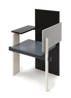 Stijl 1er periodo Gerrit Rietveld , berlin chair , 1923 1era pieza asimetrica en tonos de gris y anunció una serie de piezas asimétricas durante los dos años siguientes. Esbozo el modelo de la casa SCHRODER