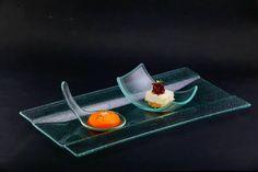 Дегустационно меню - лято 2014: Френската традиция амус буш в ресторант Вила Марциана до Варна: чийзкейк с козе сирене, мармалад от шалот, сфера от манго и морков.