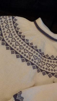 Babsy design YNKA ( you`ll never knit alone ) Knitting Stiches, Knitting Patterns Free, Free Pattern, Drops Design, Camilla, Knit Crochet, Crochet Pattern, Ravelry, Jumper