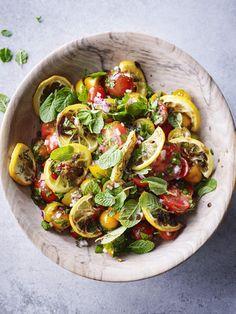 Tomatensalade met geroosterde citroen - Libelle Lekker