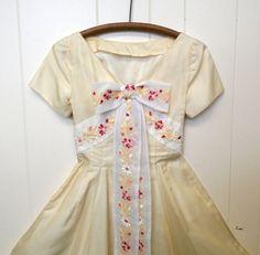 s a l e  Vintage 1950's Pale Yellow Dress w/ by rockinrubysvintage