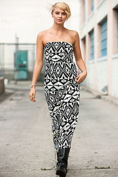 Trendsetting print dress at WholesaleFashionPlace.com