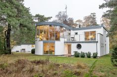nice house in falsterbo for sale. Innovative Architecture, Modern Architecture, Exterior Design, Interior And Exterior, Bauhaus, Home Builders, Building A House, New Homes, Art Deco