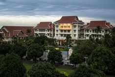 A luxury hotel fit for Royalty. Raffles Hotel Le Royal has, for nearly a century, been the premier hotel in Phnom Penh, blessed with history and style, atmosphere and aesthetics. Unique Hotels, Beautiful Hotels, Hotels And Resorts, Best Hotels, Hotels In Cambodia, Premier Hotel, French Colonial, Phnom Penh, Outdoor Sculpture